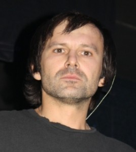 Святослав Вакарчук встал на колени перед липецкой публикой