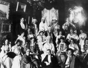 Бальные вечеринки в помещичьих домах и буржуазных квартирах в начале XX века